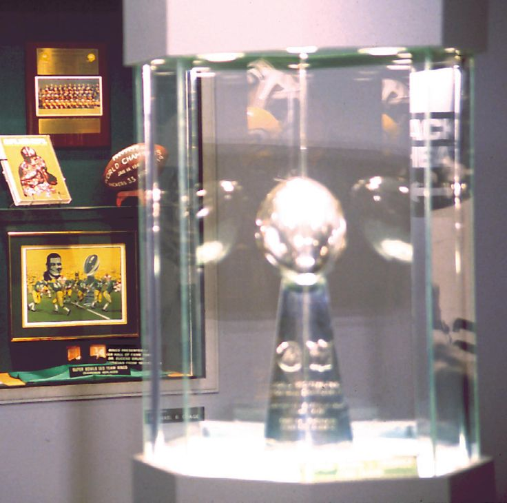 The Packers Hall of Fame. Sports museum dedicated to the Green Bay Packers.  Movies, trivia, hands-on displays, and memorabilia capture the Packers legend.