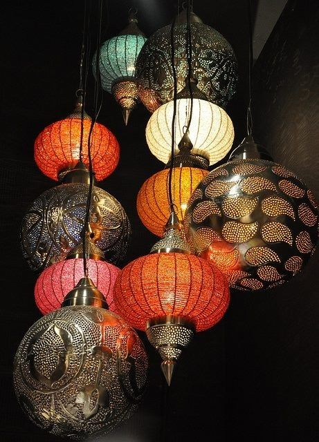 I really want Middle Eastern lamps in my home!