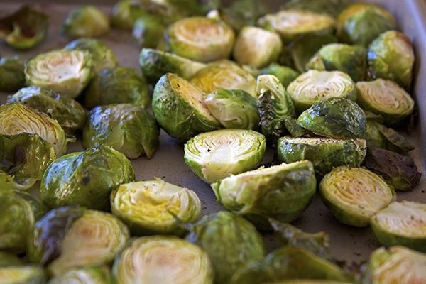 SHAPE RECLAIMED P1 OMIT OIL Sauteed Brussels Sprouts - The PERFECT healthy sidedish to any meal! Easy and fast and super DELICIOUS