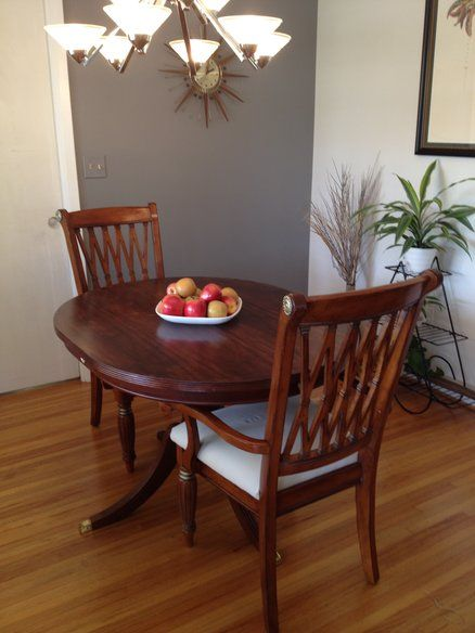 Oval Table and 2 chairs in Miami, Florida ~ Apartment Therapy Classifieds
