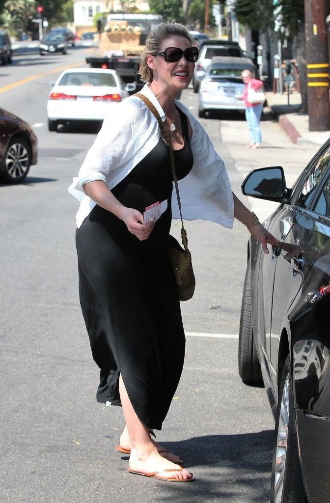 Pregnant Katherine Heigl (672×1024)