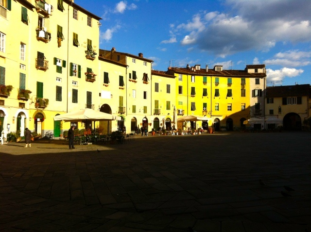 A Winter in Lucca by lindsayfilomena