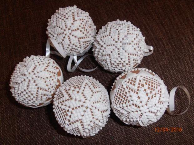 Medovnikové vianočné gule