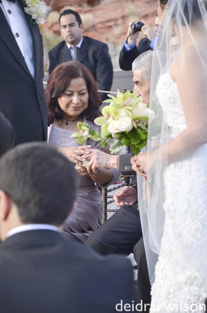 Las Vegas Wedding Planner Winter Valley Of Fire Spiral Ceremony Ring Warming