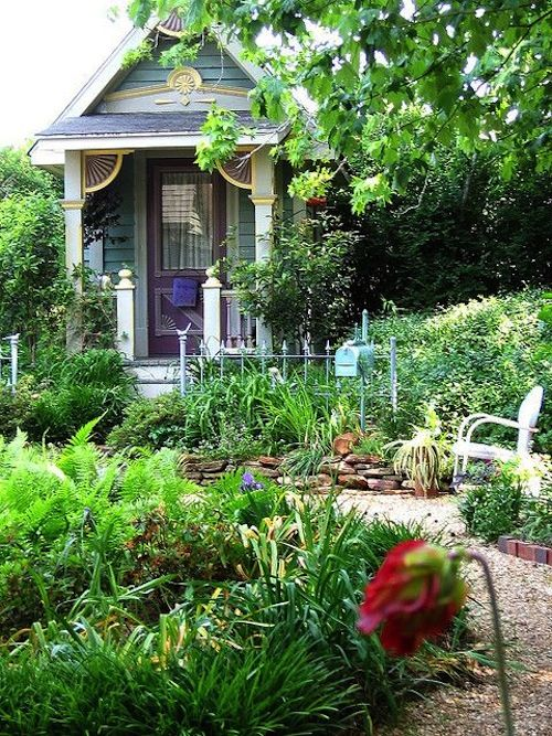 17 best images about garden shed on pinterest gardens for Backyard cottage shed