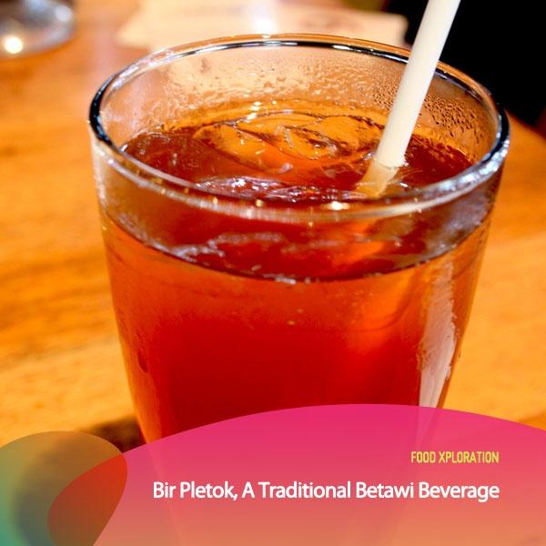 Weekend ini enaknya mencari kuliner yang sehat dan segar. Seperti minuman tradisional khas Betawi berikut ini, namanya Bir Pletok. Minuman yang terbuat dari beragam rempah seperti Jahe, daun pandan, kayu manis dan serai ini biasanya bisa kamu nikmati dalam keadaan dingin ataupun hangat lho. Banyak khasiat yang terkandung juga dalam minuman tradisional ini. Jadi selain nikmat dan segar juga dapat membantu kamu bugar. Siapa yang senang minum Bir Pletok? #PINdonesia