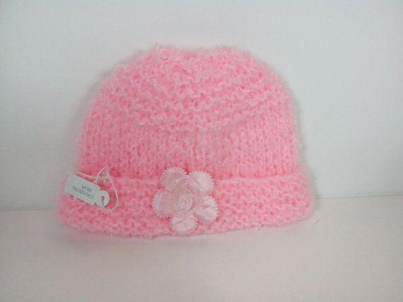 Cappellino lana con fiore neonato fatto ai ferri di Handmadesfiopi