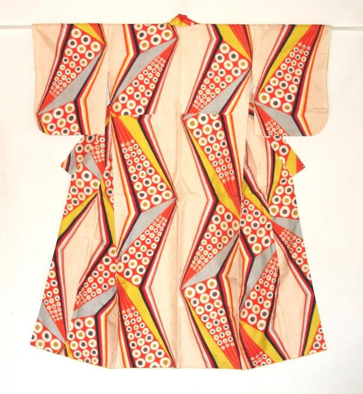 Meisen kimono with geometric pattern which is warp and weft kasuri. Mid 20th century. via Haruko Watanabe