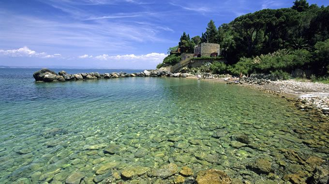 My preferite beach, close to home. La Bionda beach. Argentario. Mediterraneo in tutti i sensi. #argentario