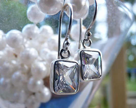 Discover Me : Silverstone Jewellery : Diamonds Are A Girls Best Friend!