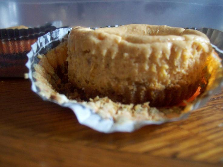 Mini pumpkin cheesecake with graham cracker crust