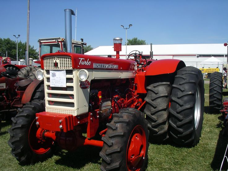 ih 660 mfwd factory duals tractors farm equipment logos and lawn mowers pinterest. Black Bedroom Furniture Sets. Home Design Ideas