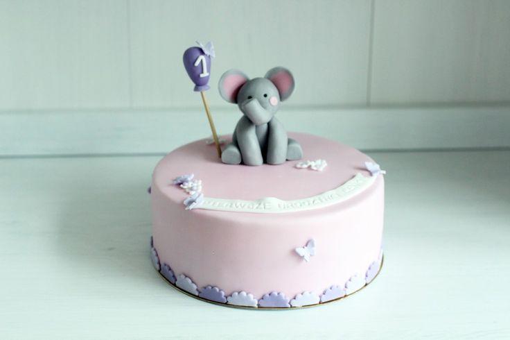 Tort na pierwsze urodziny ze słonikiem