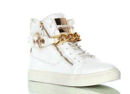 Sneakers - białe trampki. Trampki złoty łańcuch. Niesamowicie stylowe buty.