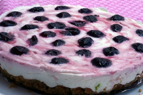 Cherries cheesecake