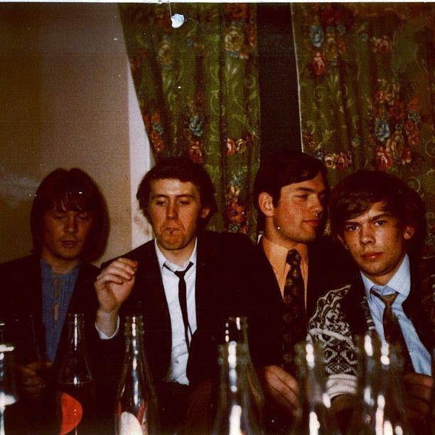Pappa (til høyre) på fest for et par år siden
