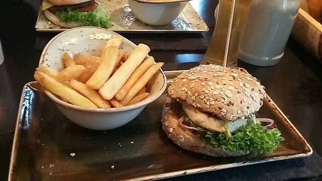 Hans im Glück - Berlin - Friedrichstraße - Landei - Burger - food