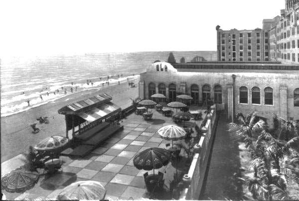 Florida Memory - Hollywood Beach Hotel north deck and beach area - Hollywood, Florida