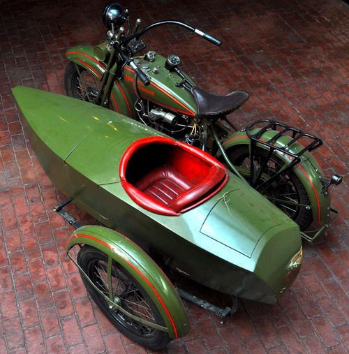 victoryride:1926 Harley-Davidson JD w/Sidecar Frame yes, please :)