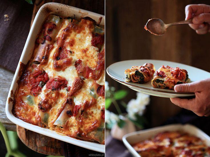 White Plate: Cannelloni ze szpinakiem, pieczarkami i sosem pomidorowym