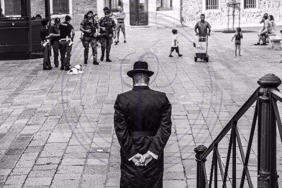 Entering the 'Gheto Novo' square, 500 hundred years of Jewish ghetto in Venice.  pic @SimonPadovani Find more at