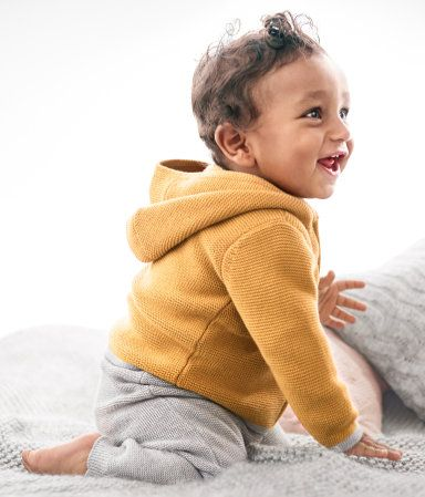 BABY EXCLUSIVE/CONSCIOUS. Fine-knit, hooded jacket in organic cotton fabric. Concealed zip at front and contrasting trim at cuffs and hem.