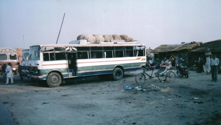 Bus confine India - Nepal  www.luigimonti.com