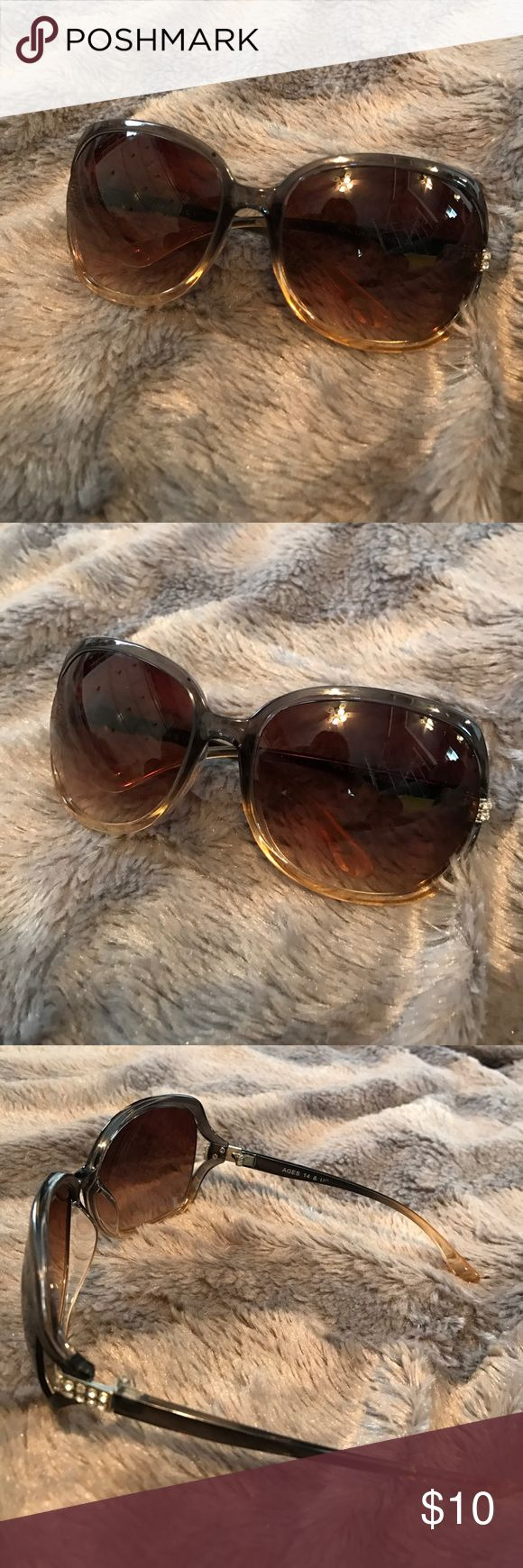 Brown Ombré Round Sunglasses Women's sunglasses. Silver jewel detailing on side. 2 minor scuff marks on lens-- not very noticeable. In good condition Accessories Sunglasses