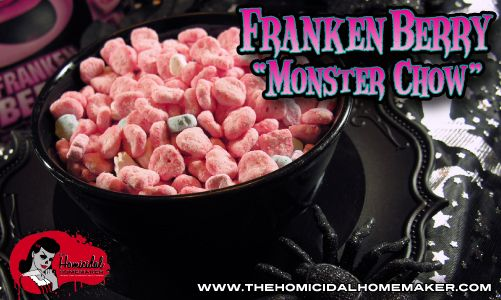 Frankenberry Monster Chow: Love 'Puppy Chow' or 'Muddy Buddies'? You'll love The Homicidal Homemaker's twist on this classic, using the strawberry-deliciousness of Frankenberry cereal! #homicidalhomemaker
