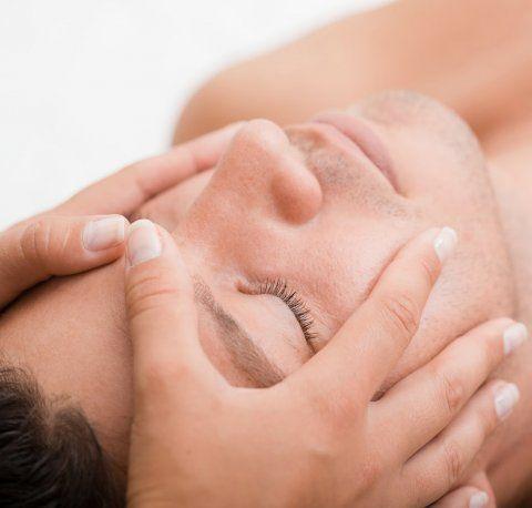 Tegenwoordig is #huidverzorging ook voor #mannen natuurlijk net zo belangrijk. Want wie wil er niet goed uitzien?