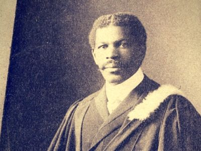 William A. White (Class of 1903) was a #AcadiaU student-athlete and only the second person of colour to be accepted into Acadia. He served as pastor of the all-black 2nd Construction Battalion of Nova Scotia during WWI, the only black commissioned officer in the entire British army. He was the first African Nova Scotian to be awarded an honorary doctorate from #AcadiaU (1936). Learn more: http://qoo.ly/m67ir #AfricanHeritageMonth