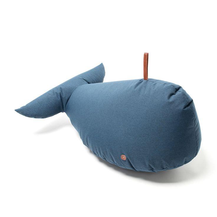 Ein im Innern und Außen nutzbarer Wal. Er ist: antibakteriell, Antischimmel, wasser- und schmutzabweisend, wasserdicht, mit Trageschlaufe und nachfüllbar.