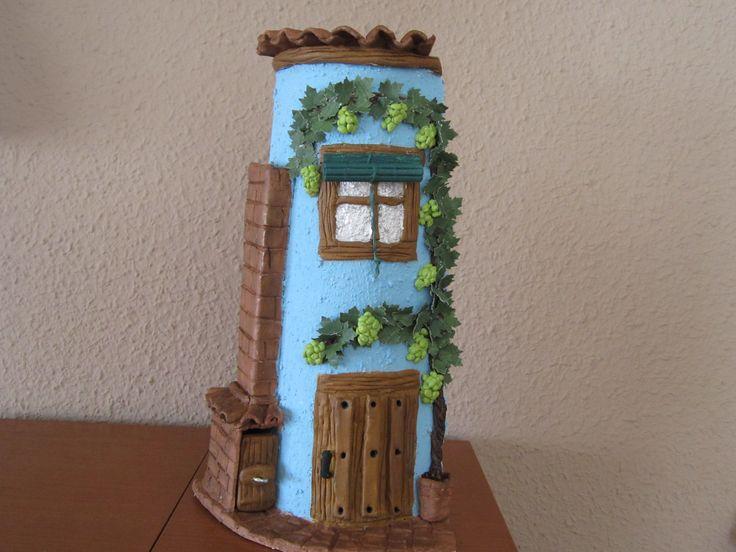 tejas decoradas la chimenea es un porta incienso
