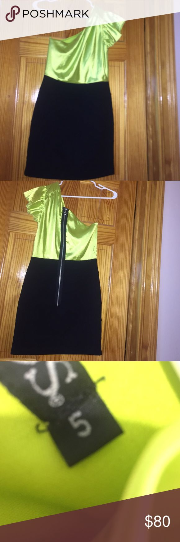 Neon Green Dress Silk neon green top/skirt. It looks separate, but its a dress. VERY comfortable. Size is a 5, but it doesnt let me choose that option thats why it says 6 on my listing. Dresses