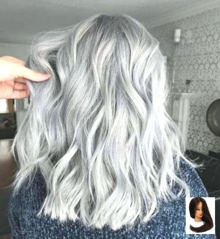 Mais informaçõesEncontre este Pin e muitos outros na pasta Hair de Kathy.   – silver-hair-highlights