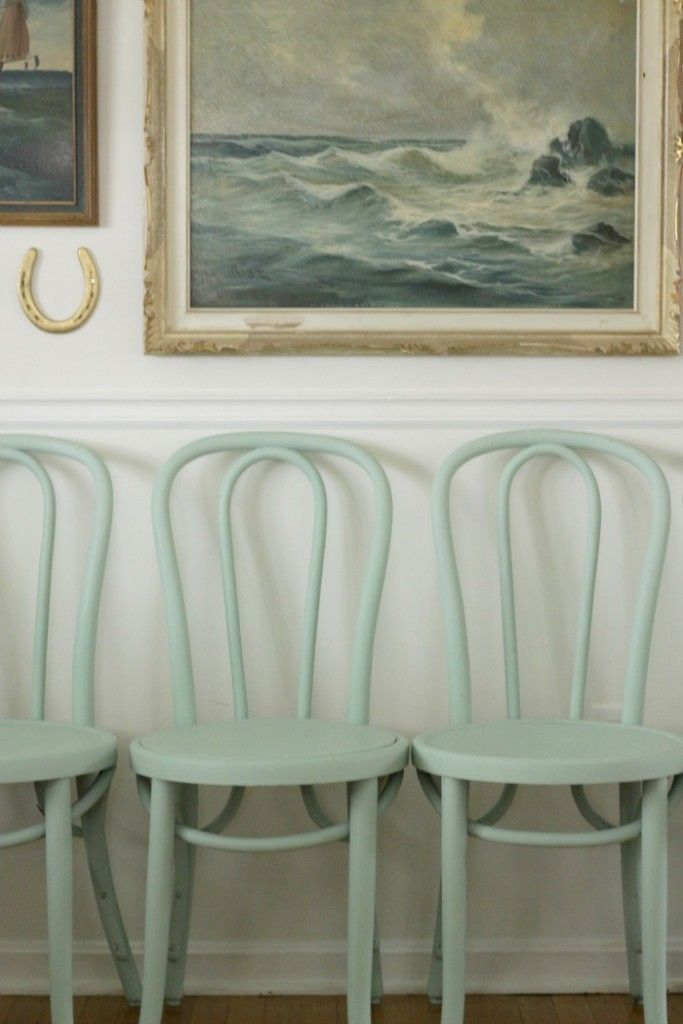 nevermind that the chairs are mint. The painting of the sea is blue, and that's what counts. The chairs are very nice, though, and could be called aqua, I think.
