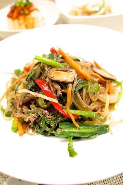 韓国料理】「牛肉でチャプチェ」&もやしと竹輪ときゅうりのナムル ...