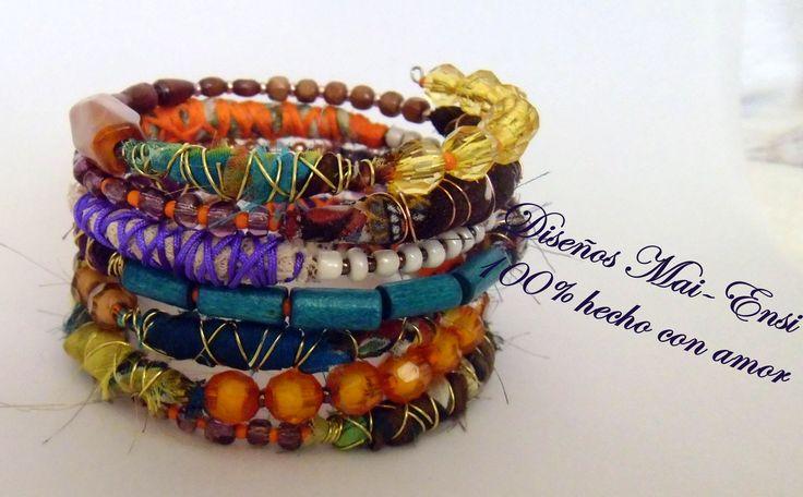 tonos tierra con distintas texturas, diseñada para mujeres con estilo