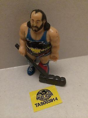 (TAS003914) - WWE WWF WCW nWo Wrestling PVC Hockey Player Figure - Earthquake