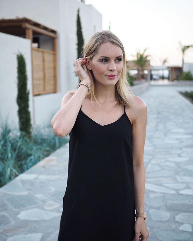 Black is beautiful! Genau das habe ich mir auch gedacht als ich mein Kleid von River Island wiedergefunden habe :) Was sagt ihr? :)