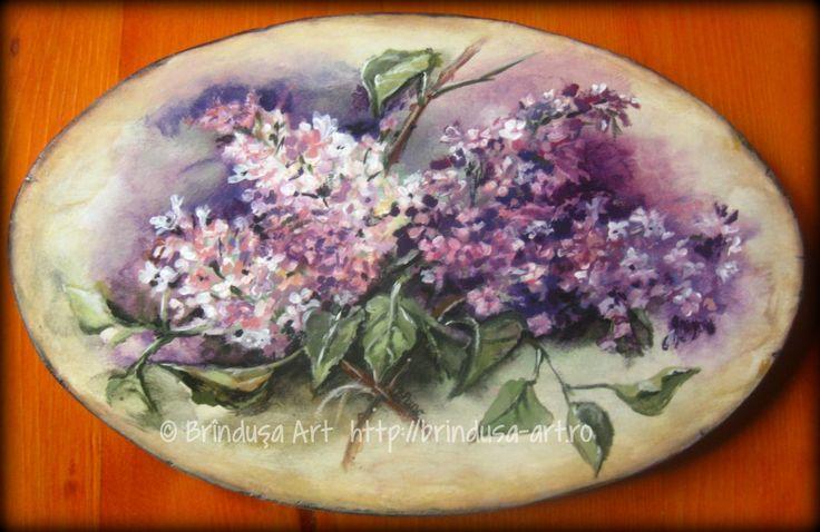 Brîndușa Art  Lilac blooms… Painted plaque, about 12 x 8 inches (31 x 20 cm), acrylics on wood. Vintage look… Flori de liliac…  Placă pictată, aprox. 31 x 20 cm, culori acrilice pe lemn. Aspect vintage… #lilac #liliac #syringavulgaris #flowers #blooms  #flori #purple #mov #spring #woodpainting #vintage