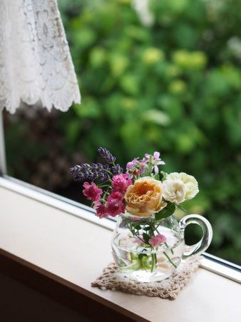 Rose & Herb.  庭の薔薇とハーブを生けて…♪