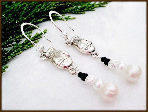 White Pearl Holiday Snowmen Women's Earrings | Lady Green Eyes Jewelry -- #bmecountdown