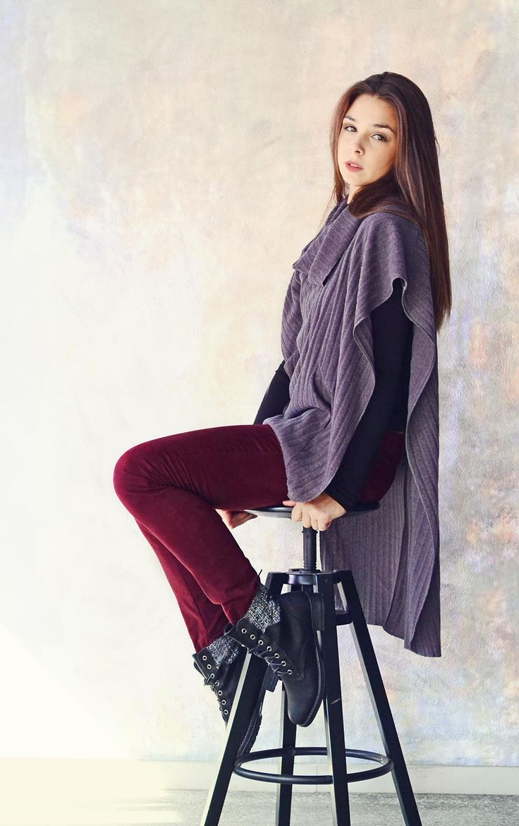 This gray poncho will warm you up in these breezy October days! BADILA FW1516 -Fall Into Style Collection- Shop > Badila.gr