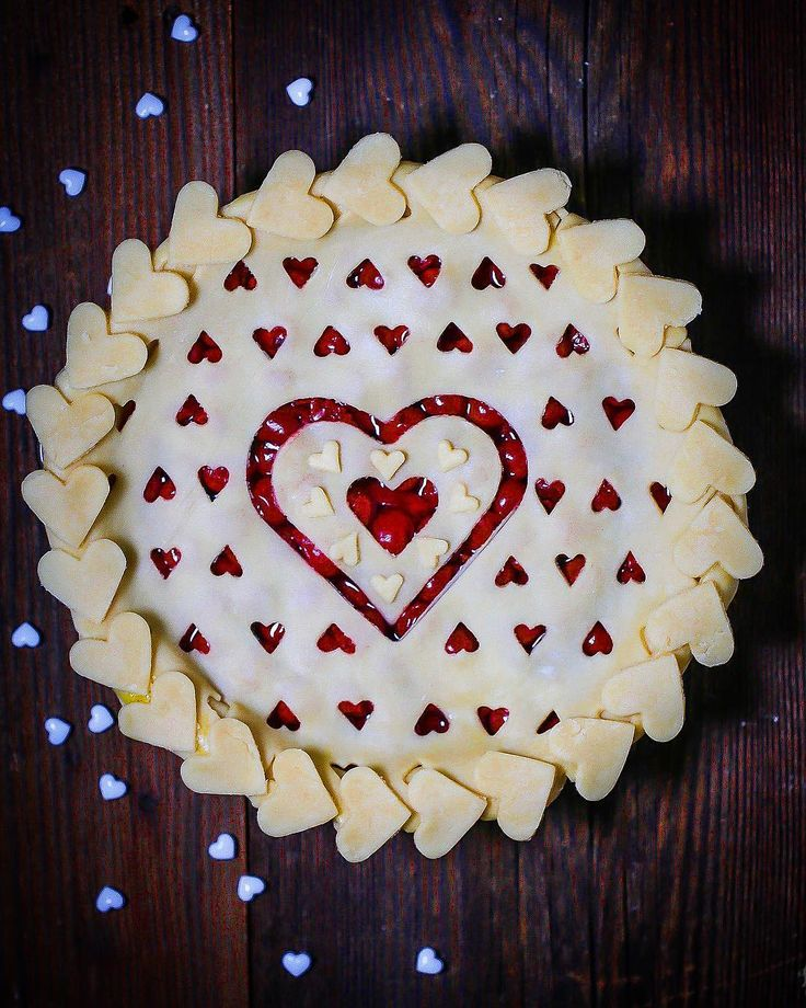 Tart cherry hearts pie