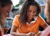 Cours d'anglais en ligne gratuit. Curso de Inglés gratis en línea. Free online English course. 免费英语
