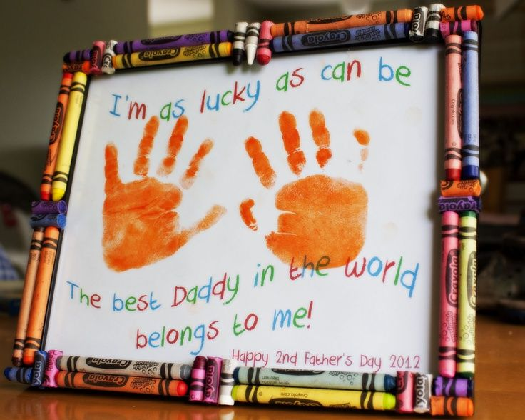 Father's Day hand print craft with crayon frame. #fathersdaycrafts #greatkidscrafts #easyfathersdaycrafts | Mother & father gifts | Pinterest | Fathers day cra…
