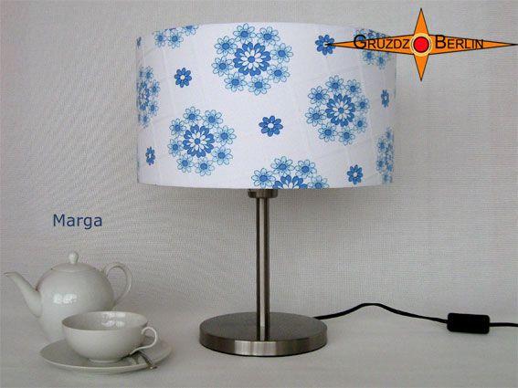 Tischleuchte MARGA Ø 35 cm Tischlampe Retrodesign.  weiß blau mit Prilblumenmuster und Karojacquard in sehr elegantem Landhausstil.