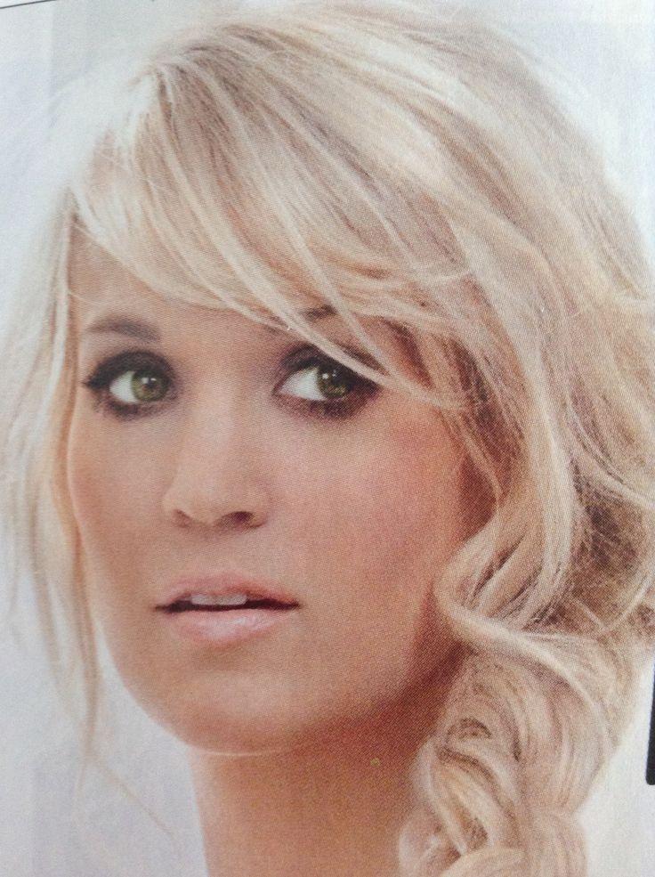 Carrie Underwood Platinum Blonde With Short Side Swept Bangs Bridesmaid Hair Side Sweeping Bangs Blonde Bangs