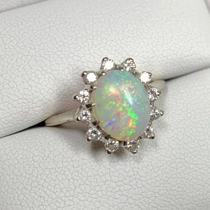 Opal Ring Vintage Opal Ring With Diamond Halo In 10k White Gold Size 6 5 Opal Ring Vintage Antique Opal Jewelry Vintage Bracelets